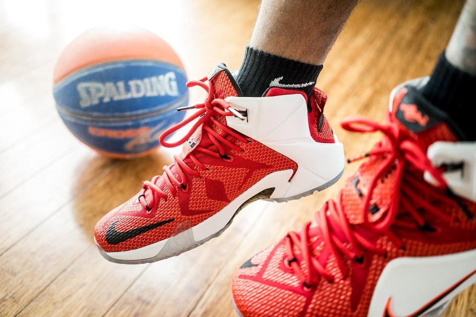 san francisco 45c6d 94495 Nike Adapt BB : Une chaussure qui se lace seule | Actu Consommation