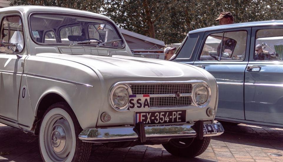 Les pouvoirs publics français ont annoncé la suppression de la date butoir de conversion de tous les véhicules équipés d'une plaque FNI (Fichier national des immatriculations) en plaque SIV (Système d'immatriculations des véhicules).