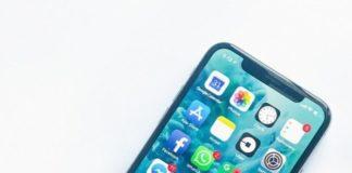 L'écran d'un smartphone affichant les icônes des applications.